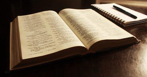 Simpatia contra os vícios utilizando bíblia