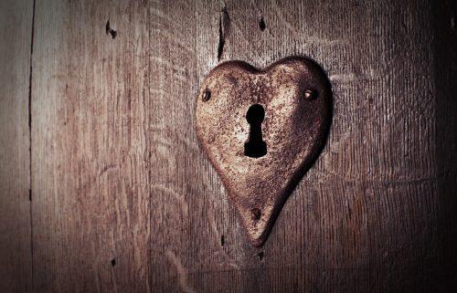 Simpatia para esquecer um amor não correspondido