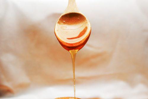 Simpatia com mel para amarrar homem