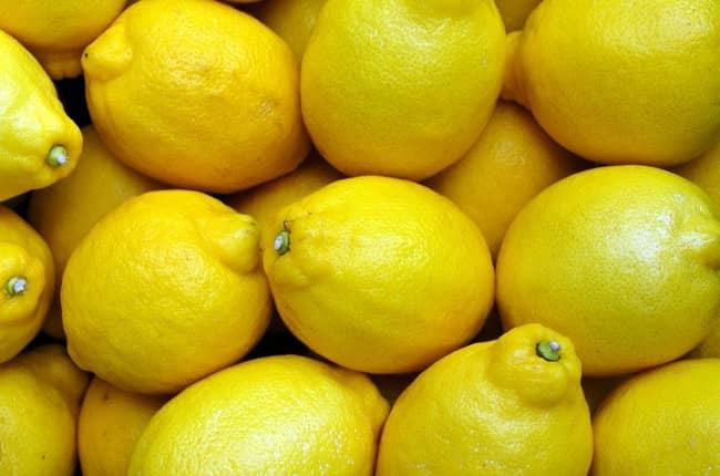 Simpatia para separar amigos com limão