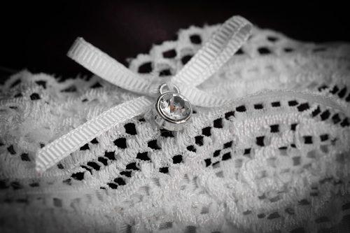 Simpatia com roupa intima da pessoa amada
