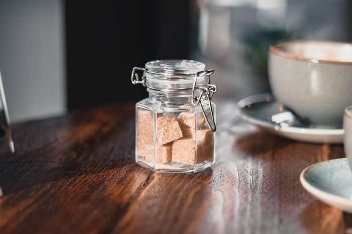 Simpatia para unir casal com açúcar