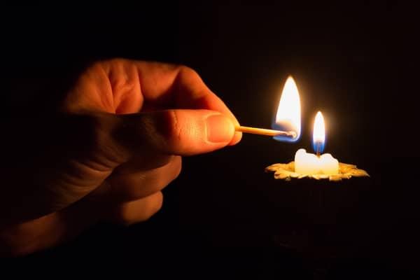 Simpatia da vela lambida para trazer a pessoa amada imediatamente