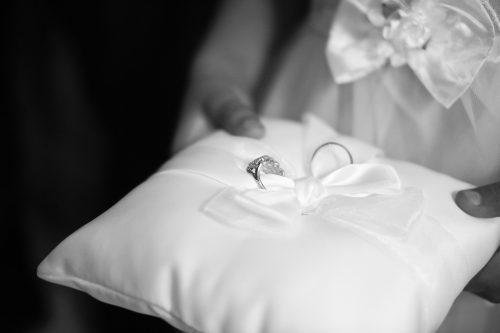 Simpatias para conquistar um homem casado