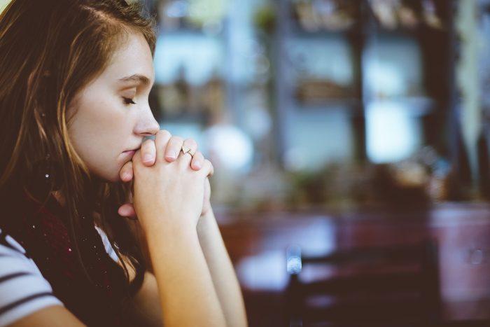 Oração poderosa para amarrar homem