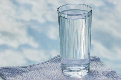 Simpatia do copo com açúcar