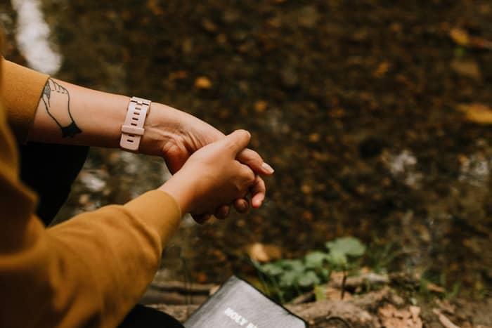 5 Oração de Afrodite Para Amarrar Homem Difícil Igual a Chiclete