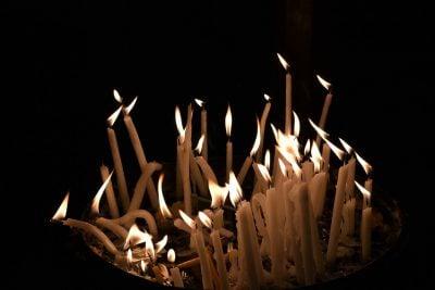 Simpatia da vela quebrada para separar casal