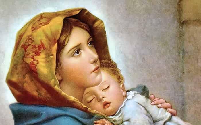 Oração Salve Rainha mãe de misericórdia