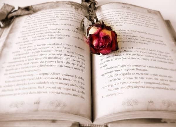 Livro com feitiços