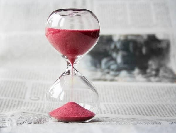 O significado do número 21:21 nas horas iguais