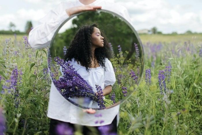 Quebrar Espelho no Espiritismo | O que significa espelho quebrando sozinho?