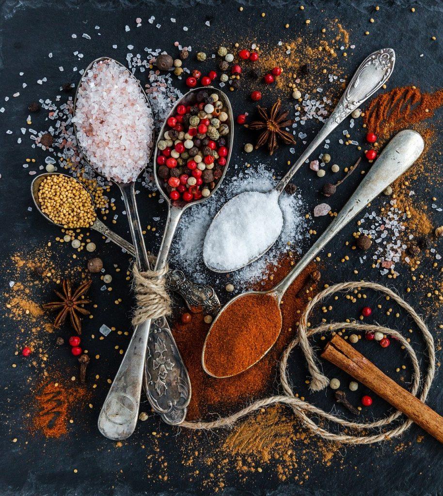 Banho de sal grosso para purificar o lar