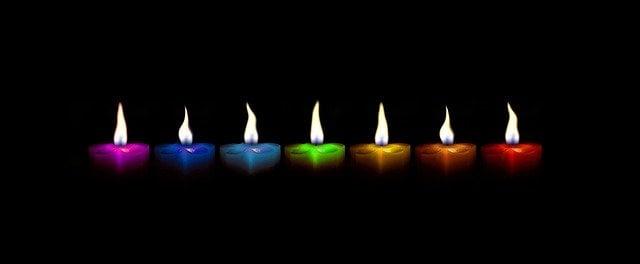 O significado das cores das velas dos Orixás no Candomblé
