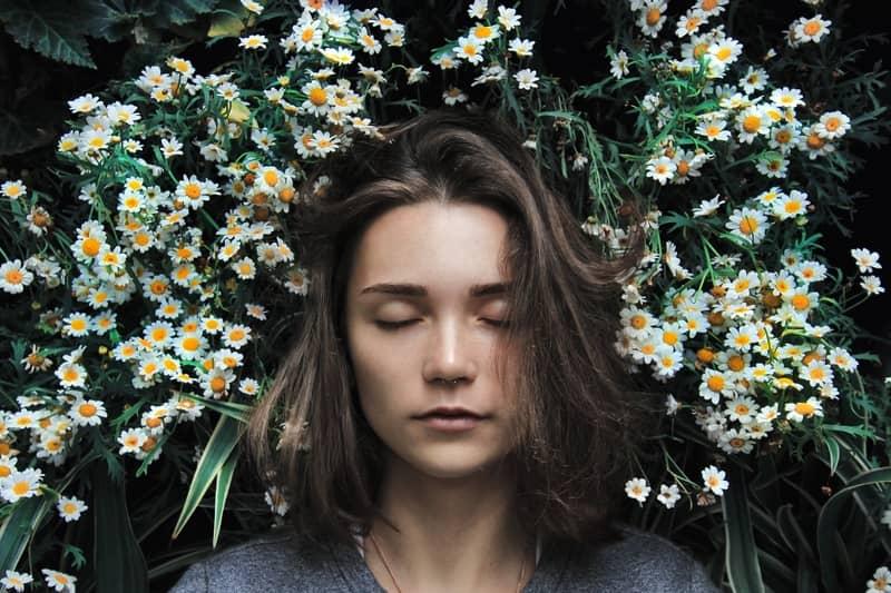 Sentir Algo te Tocar Enquanto Dorme: São Espíritos Malignos?