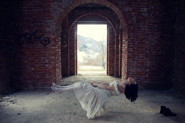Sentir algo te tocar enquanto dorme no espiritismo