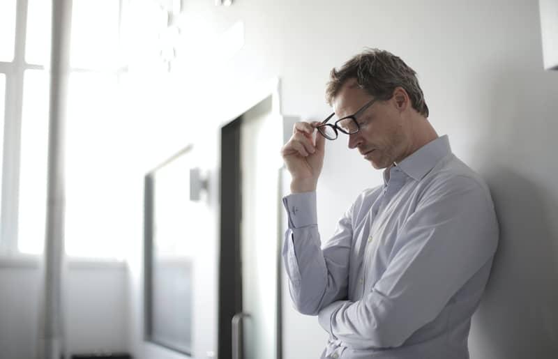 Formigamento na Cabeça no Espiritismo: São energias negativas?