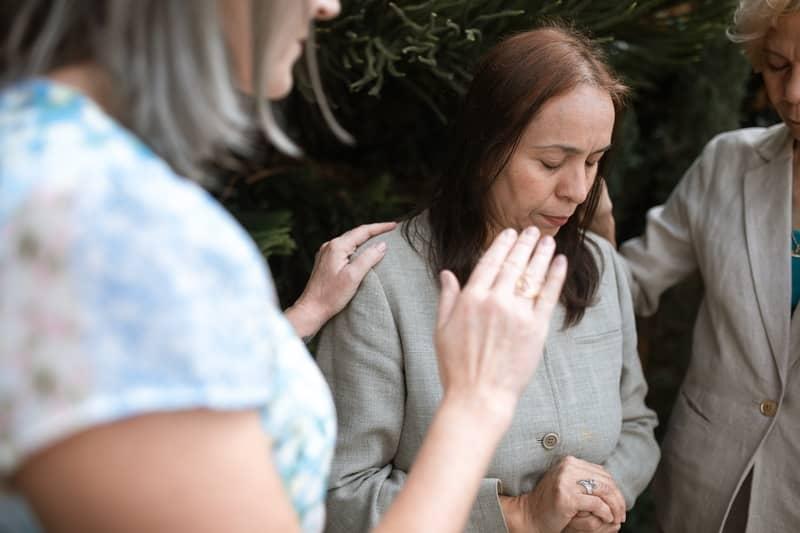 3 Oração Para Libertar-se de Uma Maldição: Atual e Antepassados