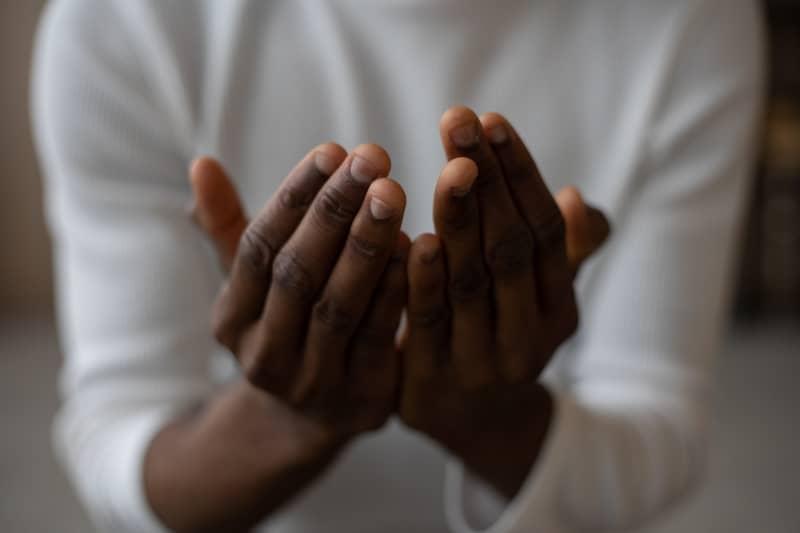 Oração Para Uma Pessoa Ir Embora Pra Bem Longe ( na paz )