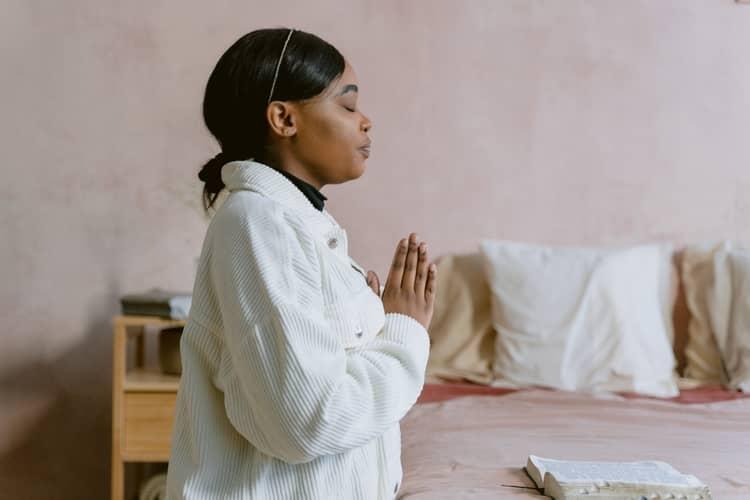 4 Oração da Pomba Gira para Enlouquecer um Homem